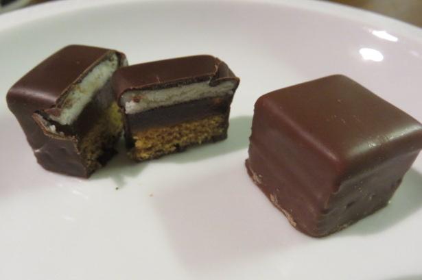 ドミノ・チョコレート菓子